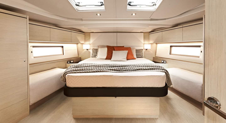oceanis51.1 interieur cabine2